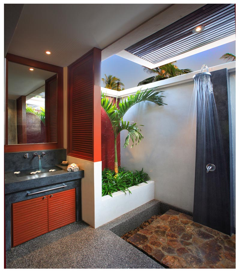 19_Bathroom & Outdoor shower Bungalow 2