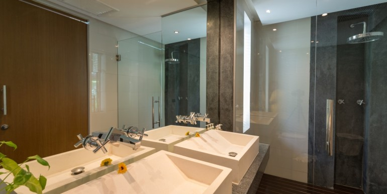 Enam Bathroom (Medium)